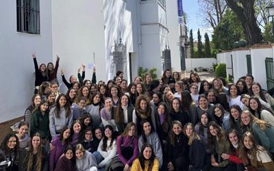 Las alumnas de La PREU celebran el Día Internacional de La Mujer